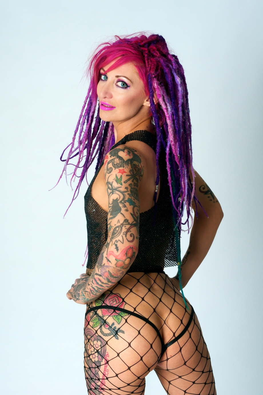 glamour, studio, dreads, tattoos, sexy, bum