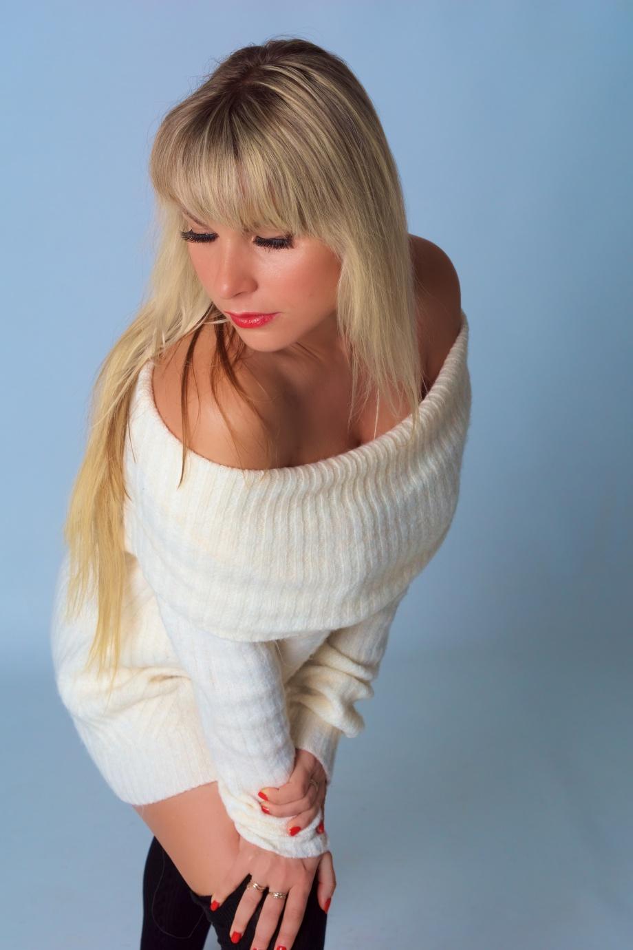 glamour, ireland, photoshoot, studio, blonde, cork, model