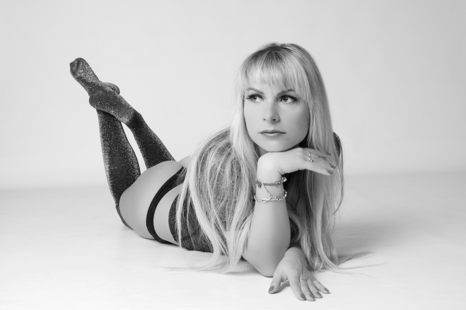 glamour, photoshoot, model, ireland, studio, lingerie, black and white, cork, blonde