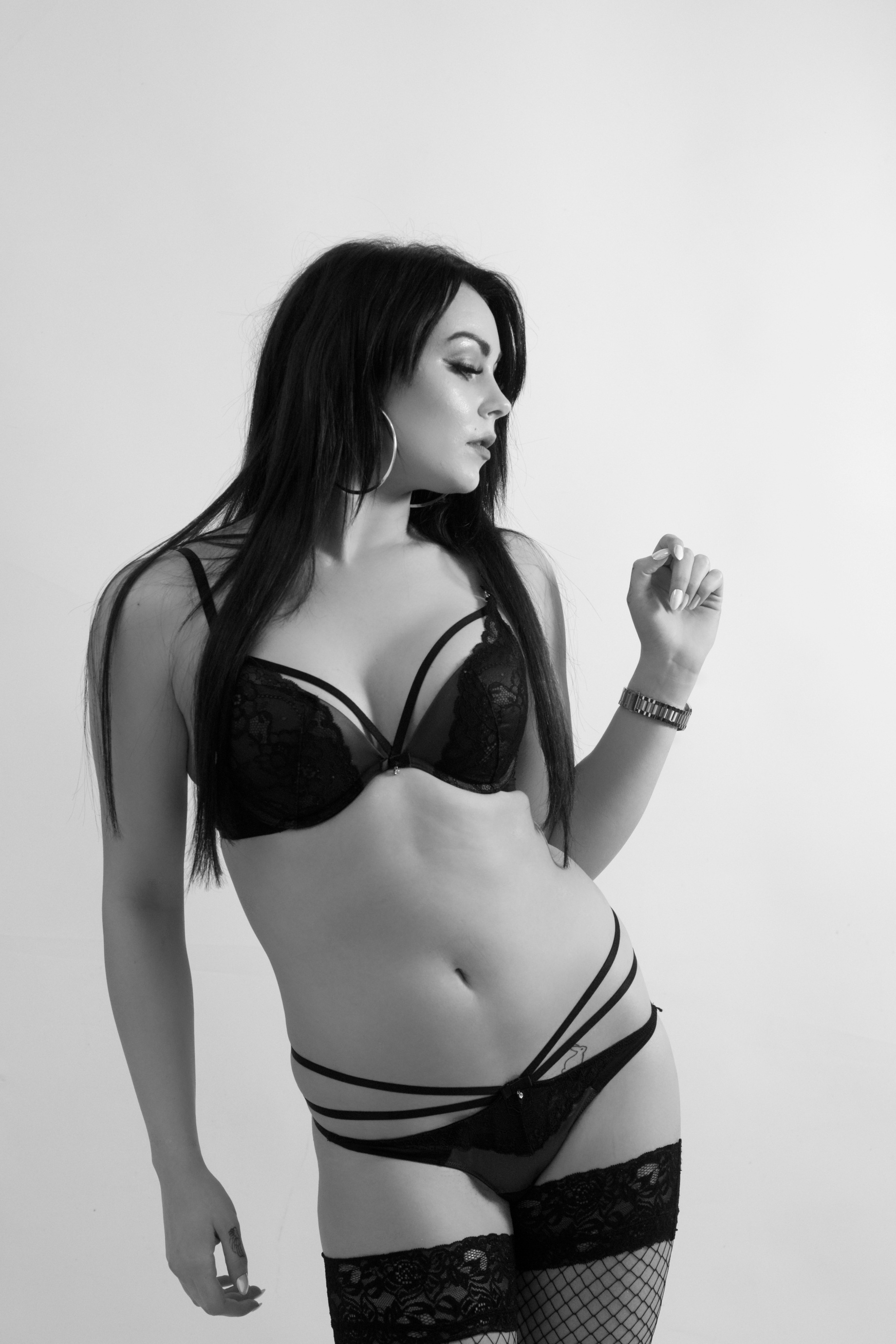 emma walsh, glamour, lingerie, black and white, cork, ireland, studio shoot
