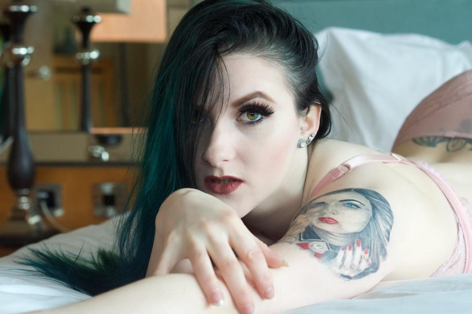 Cherry Chains, Cork, Ireland, hotel, glamour, altgirl, photoshoot, lingerie, tattoos