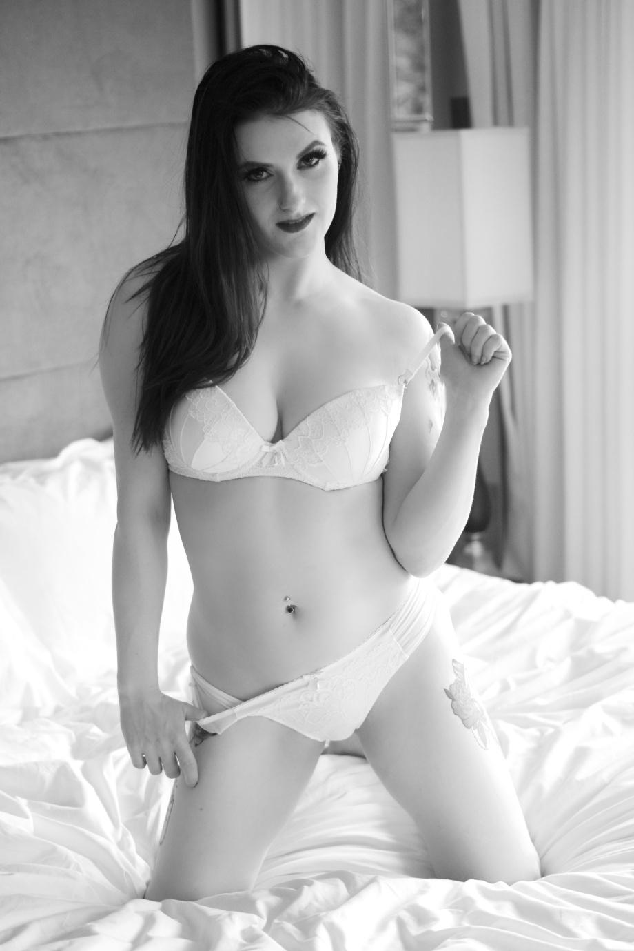 Cherry Chains, Cork, Ireland, hotel, glamour, altgirl, photoshoot, lingerie, tattoos, black and white