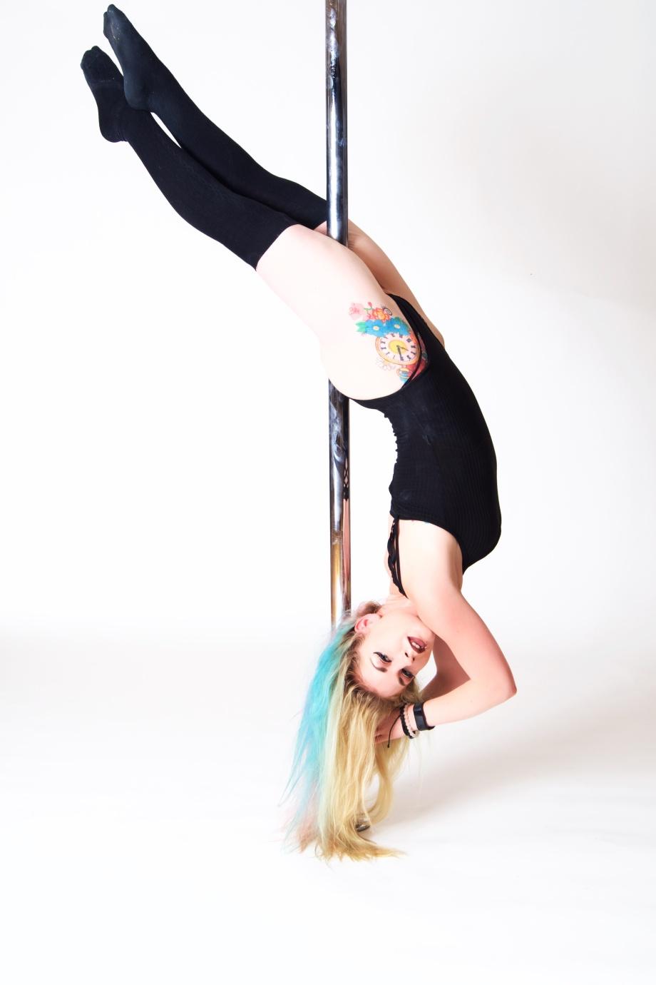 pole photography, pole fitness, Jenny Schmiedel, Die Baroness, glamour, cork, ireland, blonde, legs