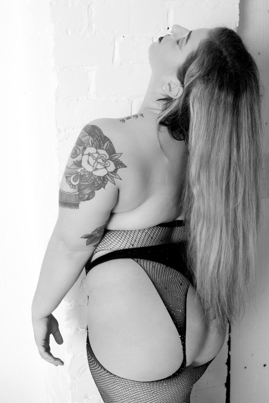 ava hennessy, glamour, studio shoot, curvy, pole dancer, exotic dancer, lingerie, black and white