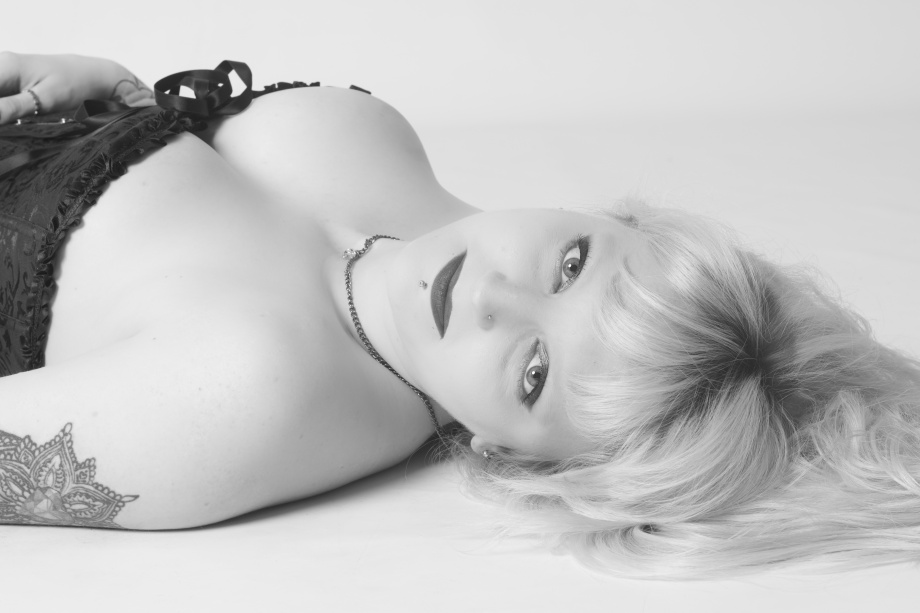 portrait, black and white, studio, glamour, ireland, cork, blonde, lingerie
