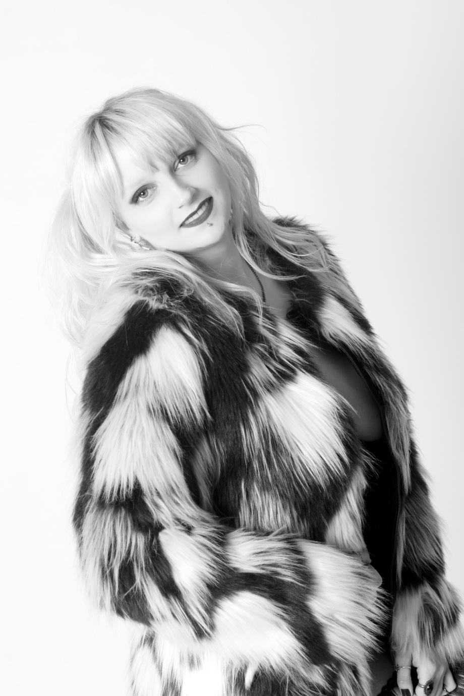portrait, black and white, studio, glamour, ireland, cork, blonde, lingerie, boudoir