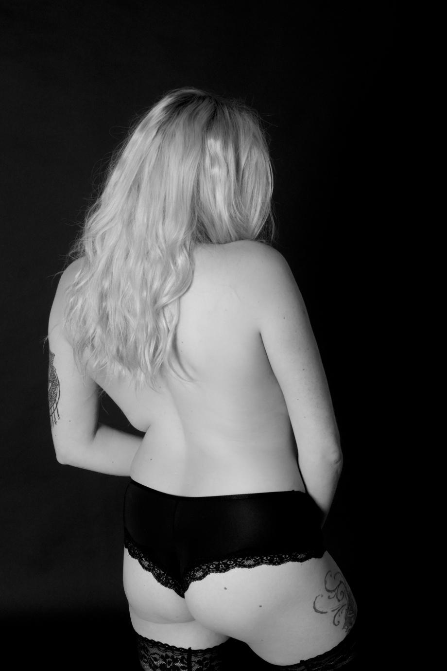 portrait, black and white, studio, glamour, ireland, cork, blonde, lingerie, boudoir, topless, implied