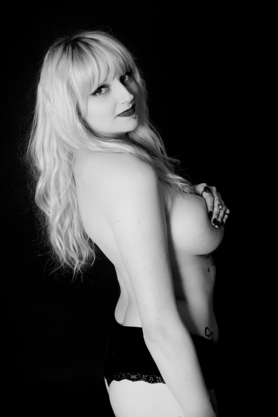portrait, black and white, studio, glamour, ireland, cork, blonde, lingerie, boudoir, topless, implied