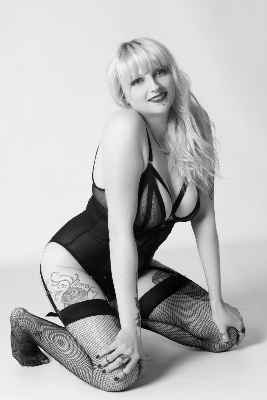 portrait, black and white, studio, glamour, ireland, cork, blonde, lingerie, boudoir
