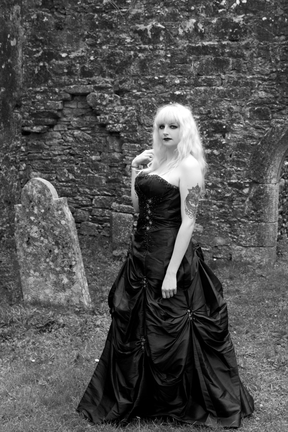 Glamour, boudoir, alternative, ruins, cork, ireland, gothic