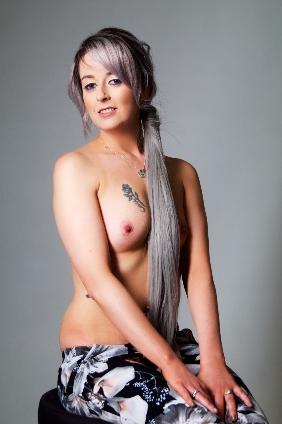 Cliona B, Glamour, Barbarella Band, photoshoot, studio, topless