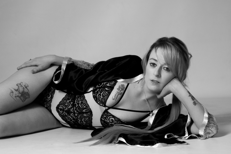 Cliona B, Glamour, Barbarella Band, photoshoot, studio, boudoir,