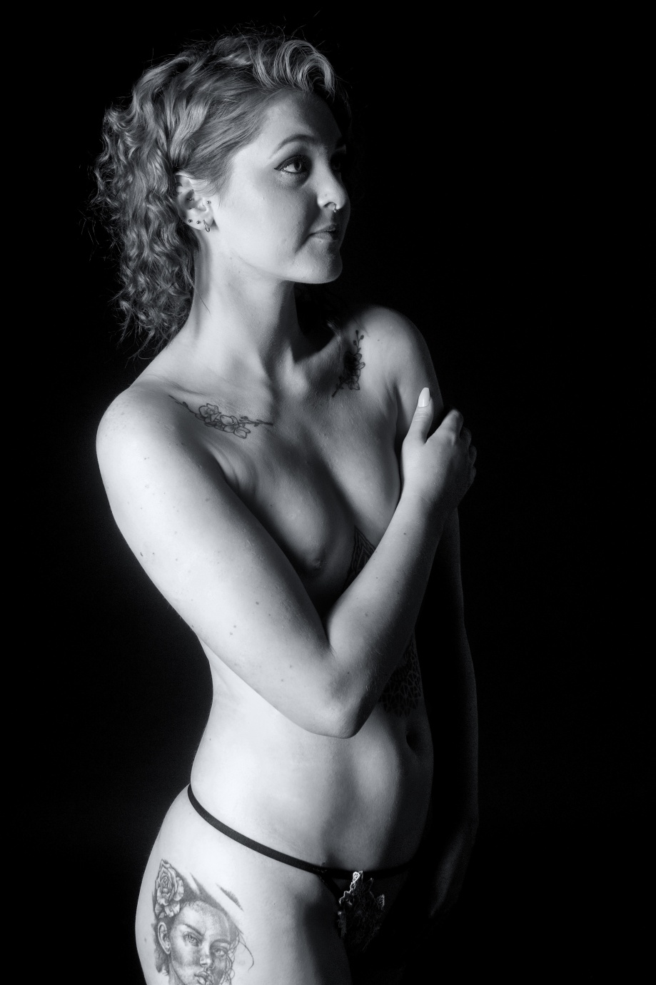Sarah O'Connor, model, cork, ireland, boudoir, glamour,studio, lingerie, topless