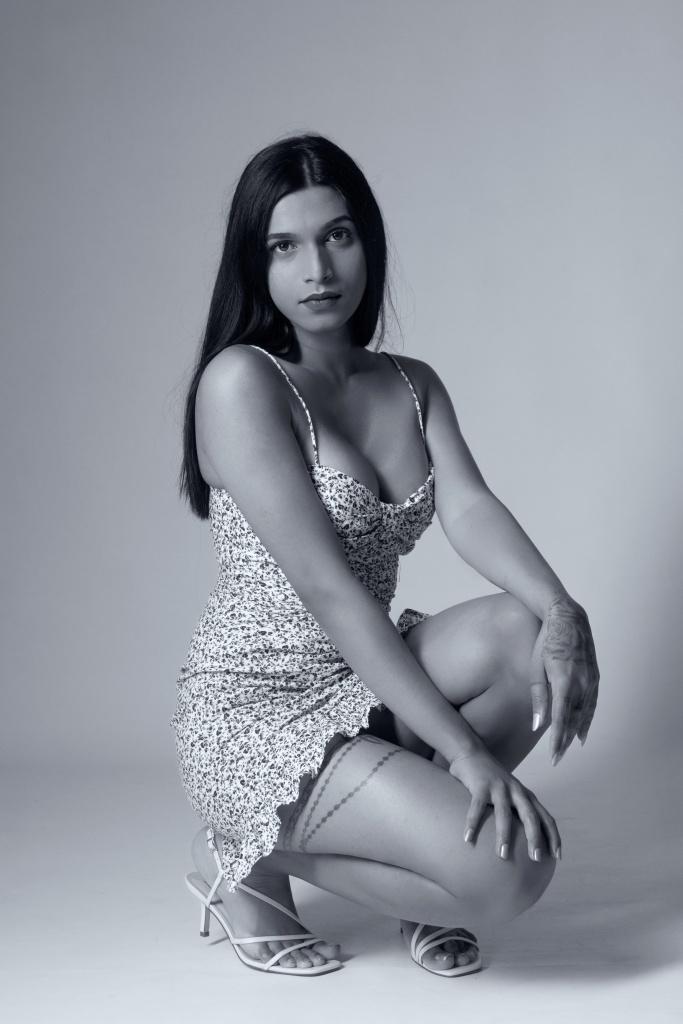 glamour, studio shoot, cork, ireland, black and white